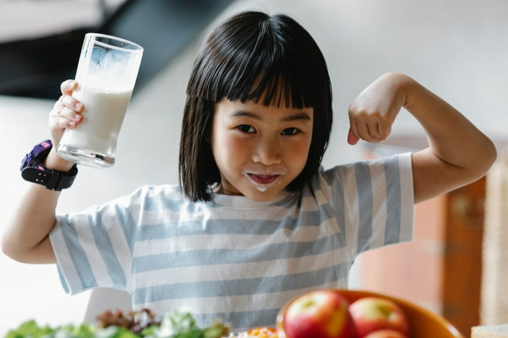 girl with milk